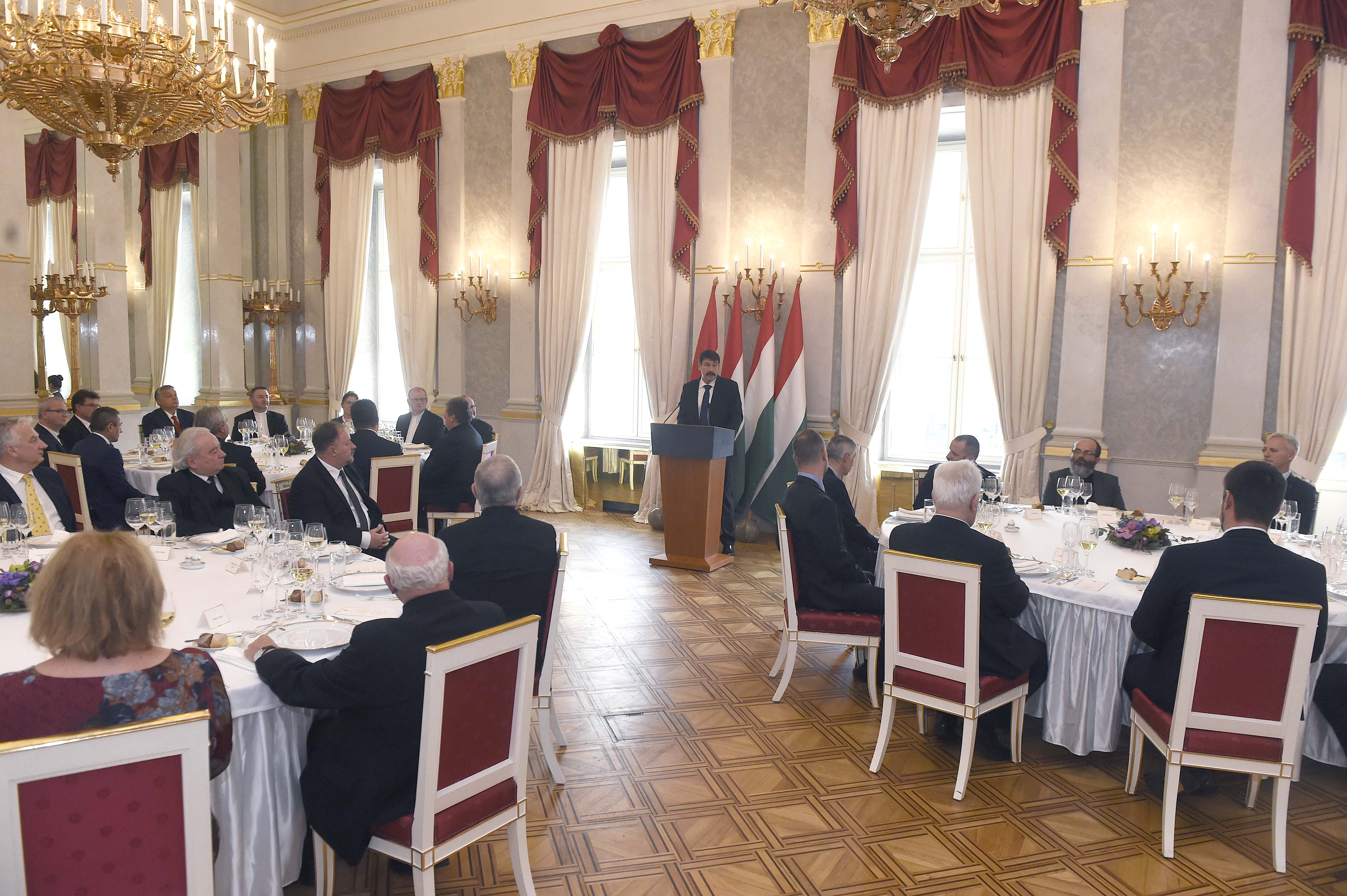Áder János advent időszakában fogadta a külhoni magyar egyházi vezetőket